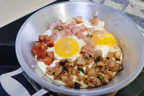 pan-fried eggs